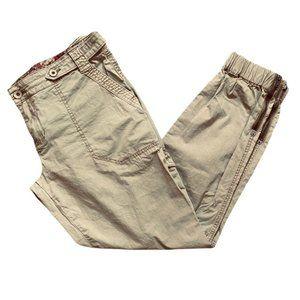 Guess tan cargo jogger pant. Cotton spandex . Zip